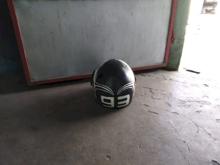 DESIGN AND WEAR THE HELMET    (Make your helmet as your symbol)